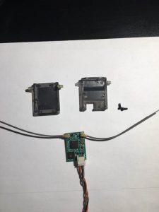 ドローン受信機プラスチックケース除去後の状態